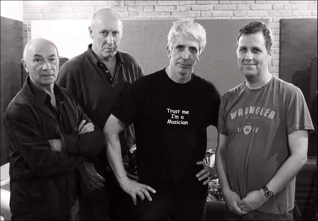 Martin Smith Band - group photo